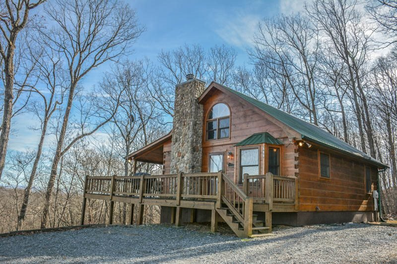 HIS PLACE-2BR/3BA- CABIN SLEEPS 6, PRIVATE, MOUNTAIN VIEW, WIFI, POOL TABLE - Image 1 - Blue Ridge - rentals