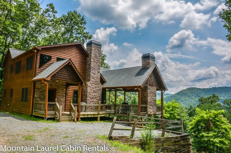 DREAM CATCHER- 3BR/3BA- CABIN WITH BEAUTIFUL MOUNTAIN VIEWS SLEEPS 6, 4WD OR - Image 1 - Blue Ridge - rentals