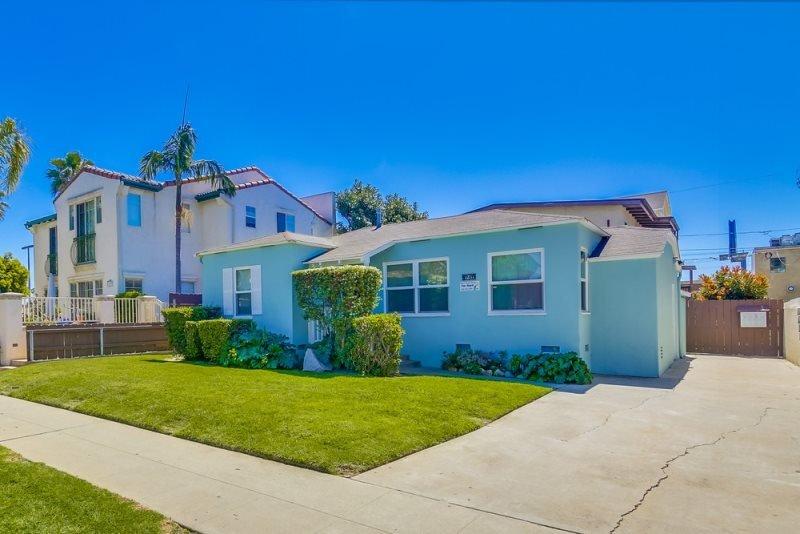 Betty`s Beach Bungalow: Walk to Everything, Bikes, BBQ, WiFi, Fenced Yard, Pet - Image 1 - San Diego - rentals