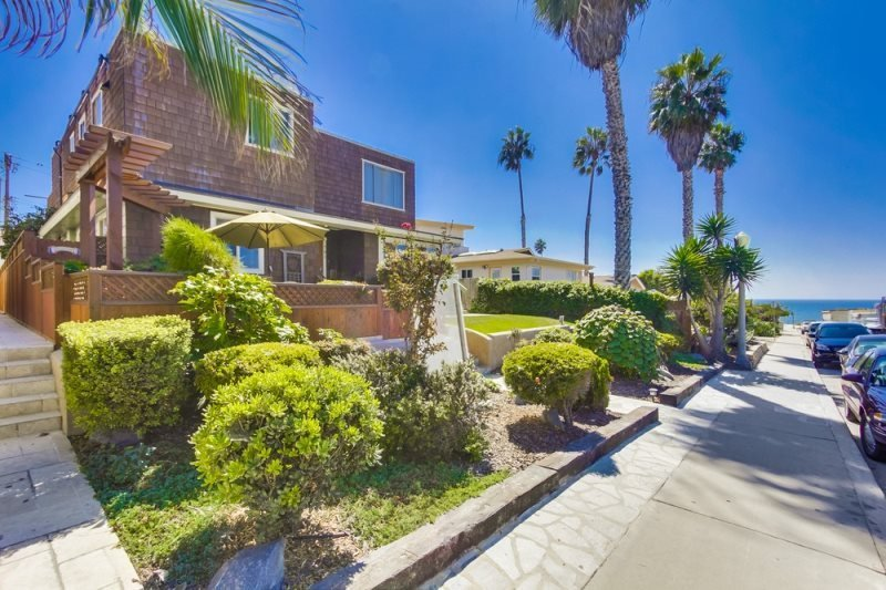 CJ`s Ocean Oasis with AC, 5 Houses from Ocean - Image 1 - San Diego - rentals