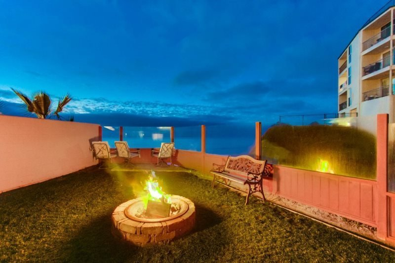 The Tobago Ocean Front Condo Pet friendly with a Hot Tub & Fire Pit - Image 1 - San Diego - rentals