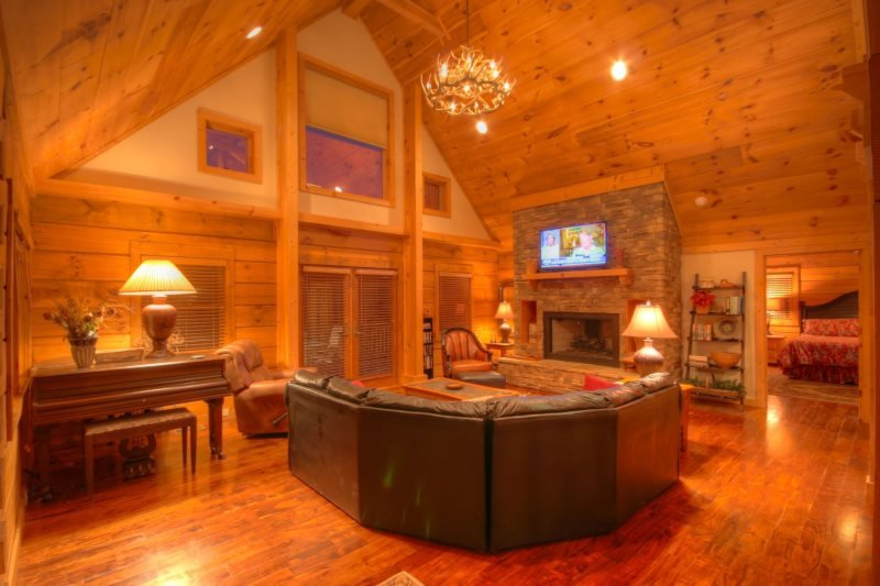 5BR Upscale Mountain Home in Valle Crucis with Hot Tub, Pool Table, Flat Panel - Image 1 - Sugar Grove - rentals