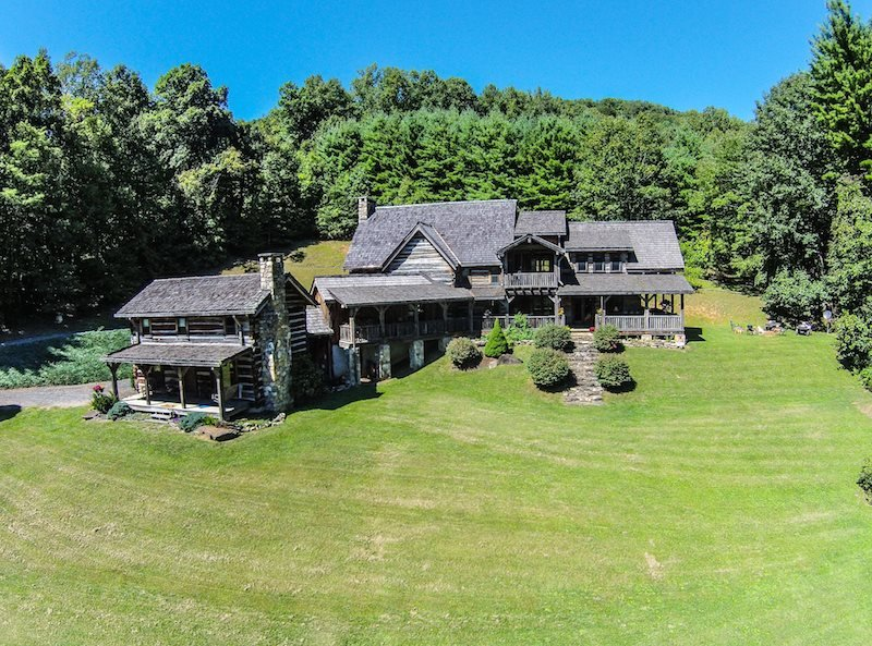 5BR Appalachian Style Log Cabin, Pool Table, Large Flat Screen TVs, 25 Foot - Image 1 - Linville Falls - rentals