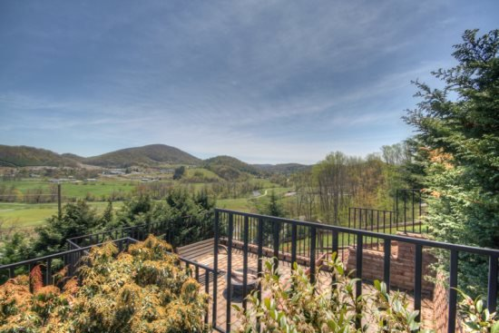 4BR Cabin with Two King Bedrooms, Two kitchens, Expansive Views. Outdoor - Image 1 - Boone - rentals
