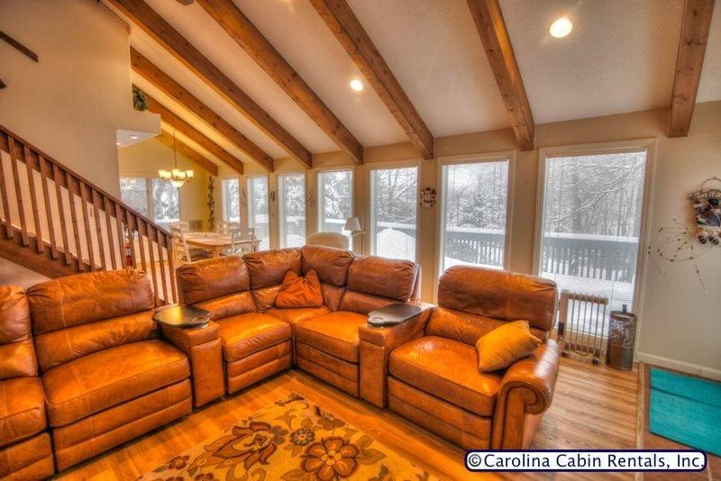 5BR Home, Virtually Slopeside on Beech Mountain, Sleeps 15, Hot Tub - Image 1 - Beech Mountain - rentals