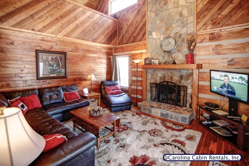3BR Log Cabin, King Bed, Leather, Flatscreen TV, Wifi, Ping Pong, 5 Minutes to - Image 1 - Boone - rentals