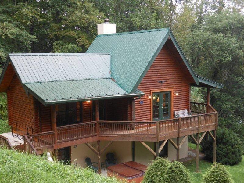 Sleeps 6, Walk to Watauga River, Hot Tub, Privacy, Mast General Store, Hiking - Image 1 - Sugar Grove - rentals