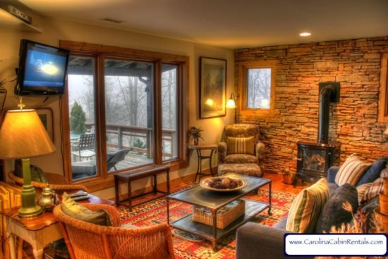 Sleeps 5, Antiques, Art, Gas Wood Stove, Hammock, Grill, 5 minutes to Boone - Image 1 - Blowing Rock - rentals