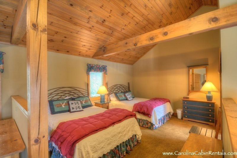 1BR Delightful Getaway Cottage, Mountain View, Gas Fireplace, Exterior Deck - Image 1 - Boone - rentals