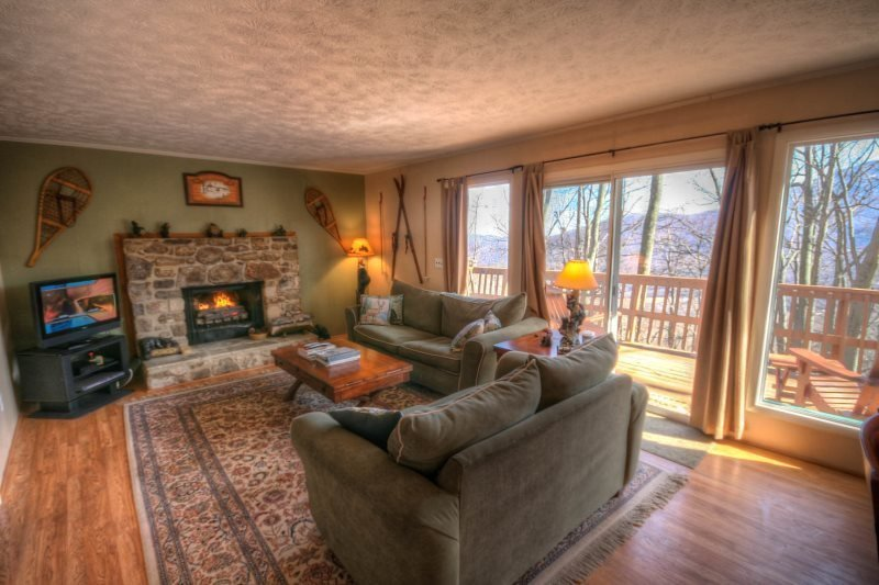 3BR Mountain House With Hot Tub, 2 King Beds, Seasonal Views, Close to Banner - Image 1 - Seven Devils - rentals