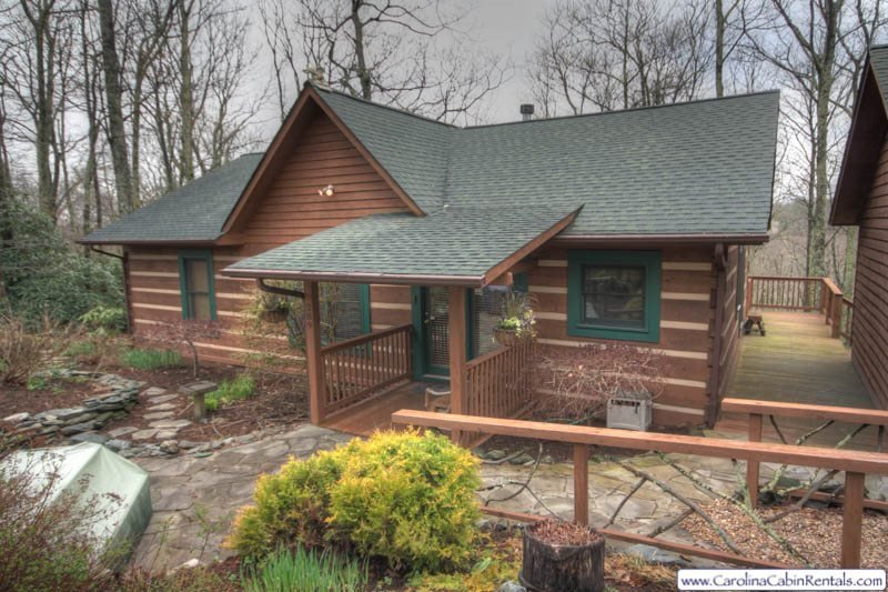 3BR Log Cabin, Hot Tub, A/C, Nestled in Private Setting Beside the Blue Ridge - Image 1 - Boone - rentals