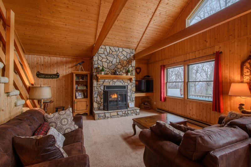 3BR, Long Range Views, Hot Tub, Open Floor Plan, Central Location, Close to - Image 1 - Seven Devils - rentals