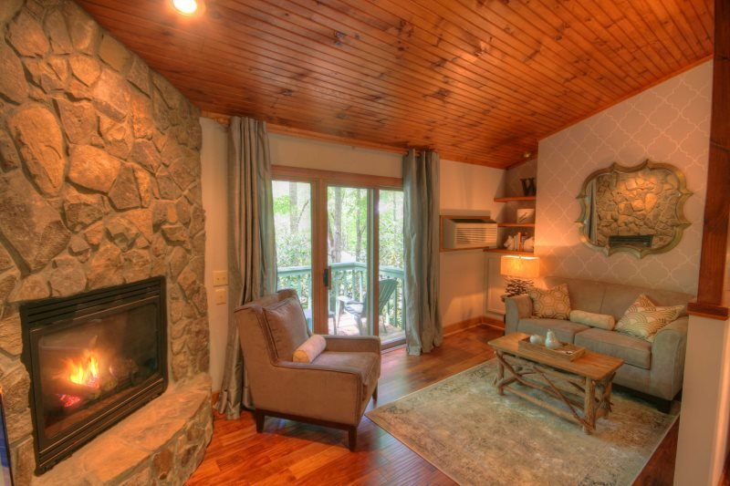 1BR Mountain Cottage, Just Renovated, Located in Yonahlossee Resort, Minutes to - Image 1 - Boone - rentals