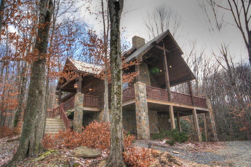 3BR Cabin on Beech Mountain, Hardwood Floors, Leather, Granite, Designer Decor - Image 1 - Beech Mountain - rentals