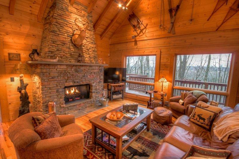 4BR Upscale Log Cabin Valle Crucis! 4BR/3.5BA Log Cabin with Hot Tub, Fire Pit - Image 1 - Banner Elk - rentals