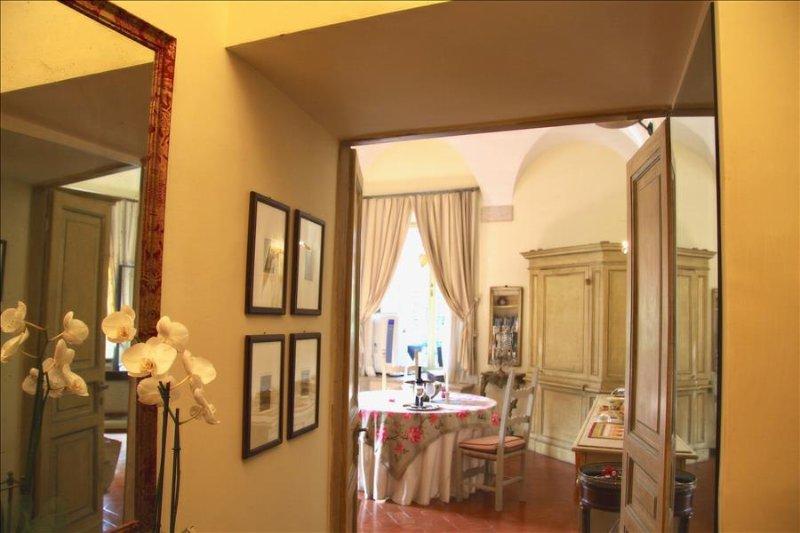 Romantic Renaissance Apartment in Historic Roman Palazzo - Image 1 - Rome - rentals