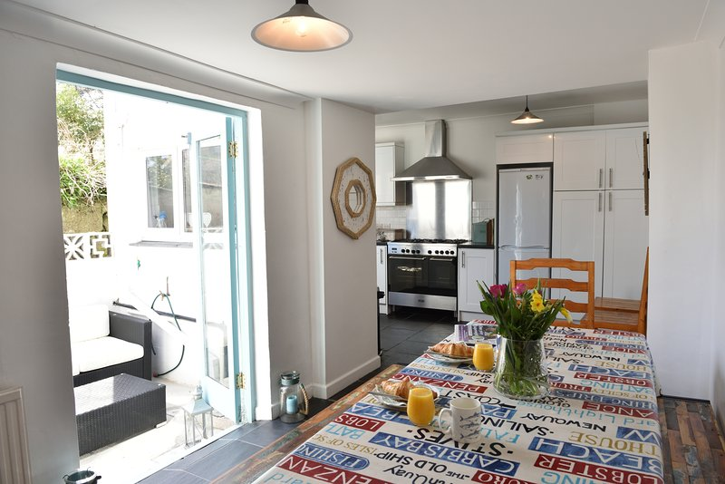 Beautiful Newly decorated St Ives Beach House - Image 1 - Saint Ives - rentals