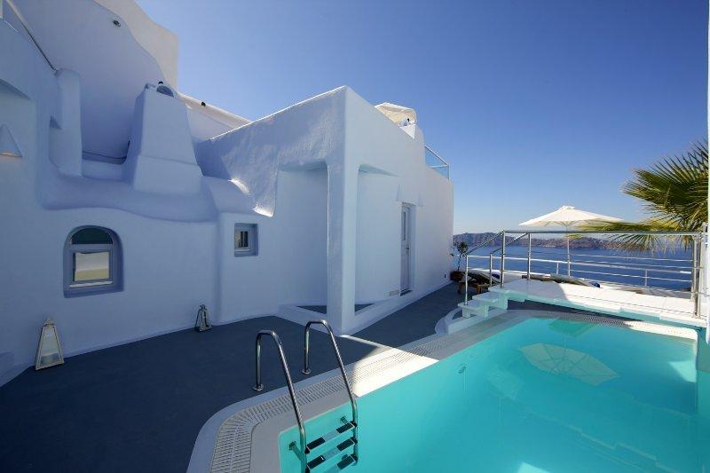 Blue Villas | Rosa |Beautiful Caldera View - Image 1 - Firostefani - rentals