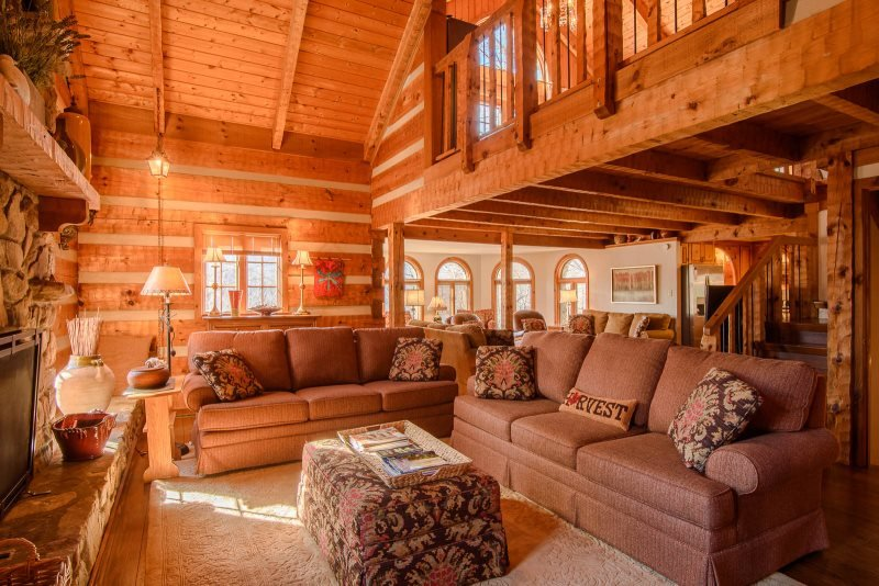 5BR Mountain Lodge, 3 Living Areas, Kitchen, Wet Bar, Hot Tub, Pool Table, 2 - Image 1 - Banner Elk - rentals