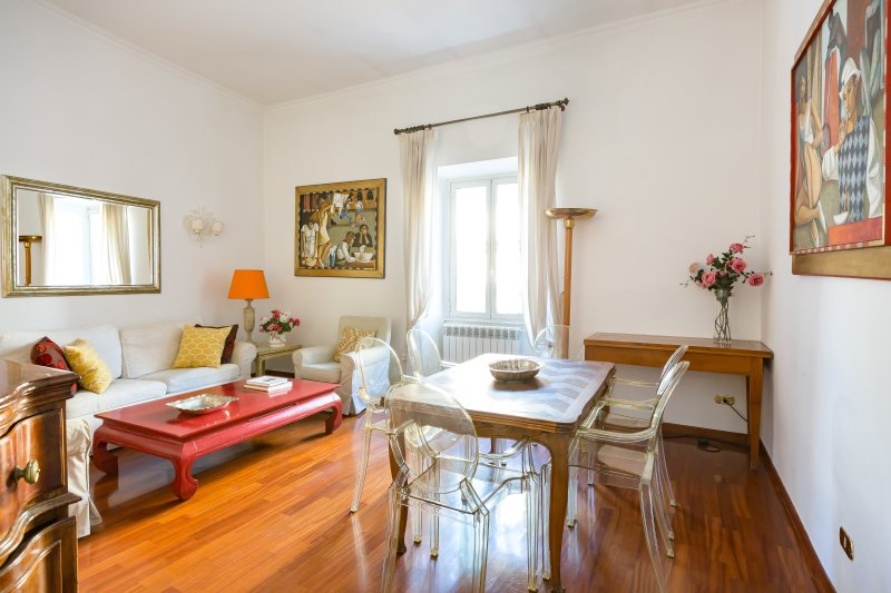 Perfect Classic Big Spanish Steps Apartment-Roomy-Washer & Dryer-AC-Happy Guests - Image 1 - Rome - rentals