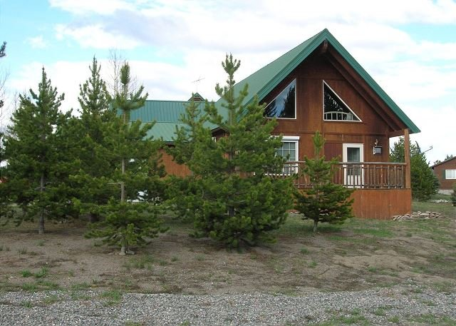 Big Springs Bungalow - Big Springs Bungalow - ask about any winter specials - Island Park - rentals