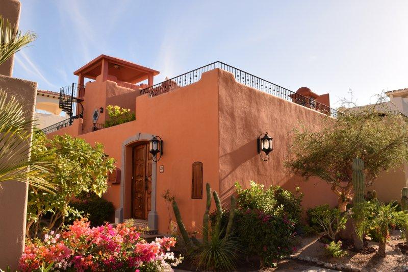 The front and entrance to our casa.  Bienvenidos!  - Luxurious Loreto Bay, Location, Location, Location - Loreto - rentals