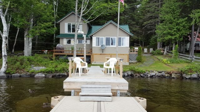 Cute  Cozy cabin on Moosehead Lake - #117 Lakefront camp with beautiful beach & dock - Greenville - rentals