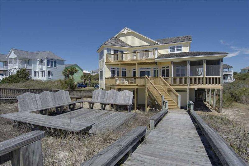 Breezy Cottage - Image 1 - Emerald Isle - rentals