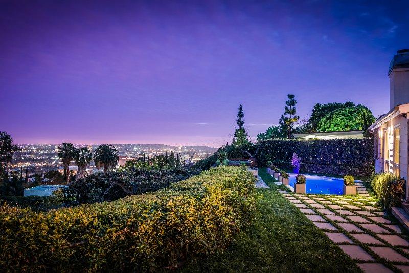 Hollywood Hills, Sleeps 8 - Image 1 - Los Angeles - rentals