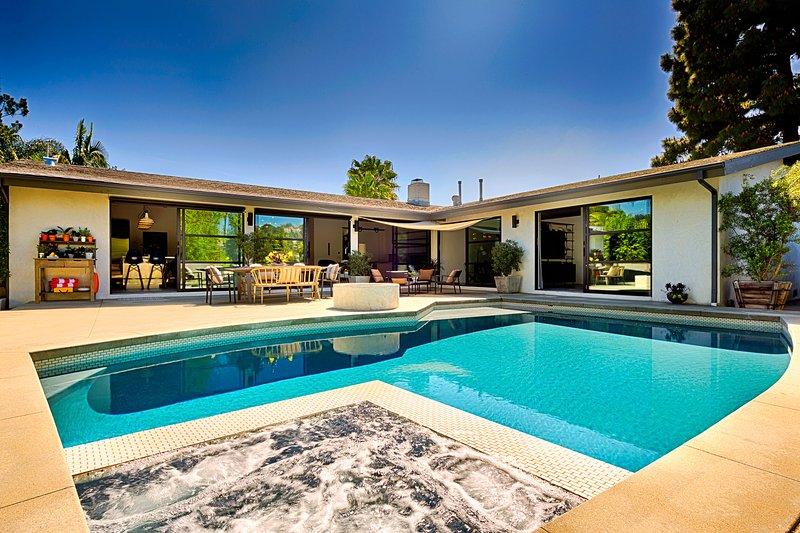 Designer Perfect, Sleeps 6 - Image 1 - Los Angeles - rentals