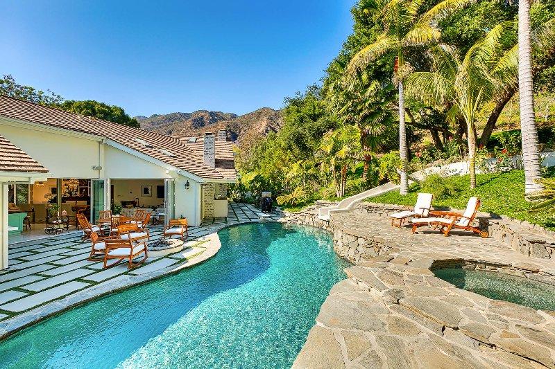 Serra Retreat, Sleeps 8 - Image 1 - Malibu - rentals