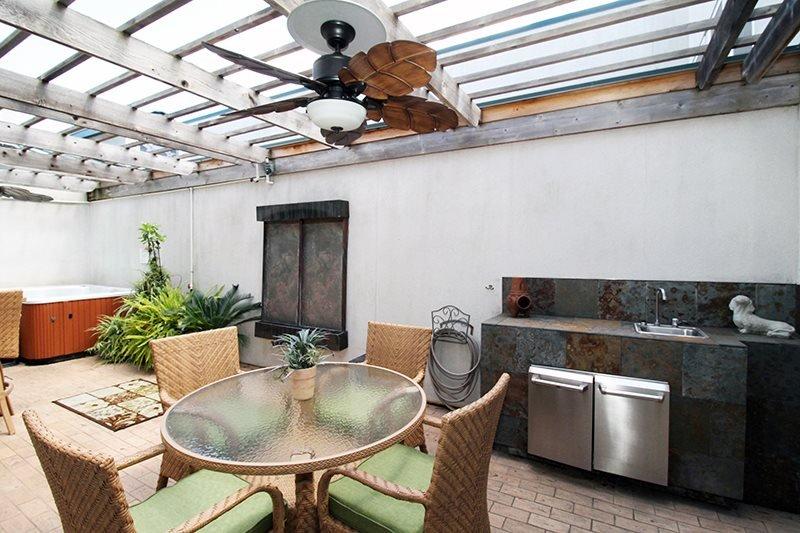 The Gardens Condominiums - Unit 701 - 3 Swimming Pools - FREE Wi-Fi - Restaurant in Beachside Colony Resort - Image 1 - Tybee Island - rentals