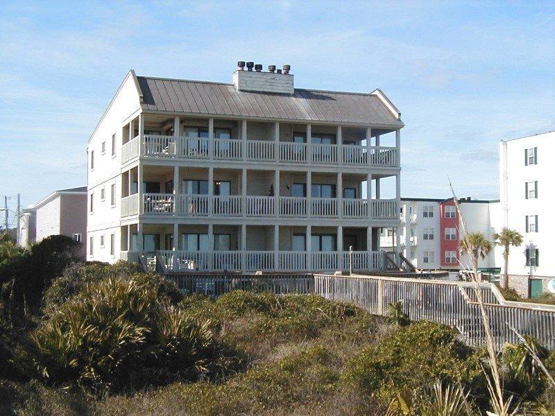 Sand Castle Beach Club - Unit 6 - Swimming Pools - FREE Wi-Fi - Restaurant - Image 1 - Tybee Island - rentals