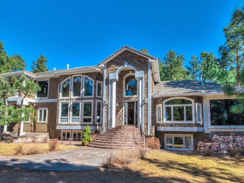 7,957 SF, 5 BR, 6BA, 7FP, Sleeps 16, 3 acre Pvt. Lot 3 Mi E of I-25 & Baptist Rd - European Nobility Resort - 7,957 SF. 5BR, 6BA, 7FP - Monument - rentals