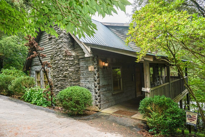 Enjoy Ole Glory the Americana Cabin in the Smokies - Image 1 - Sevierville - rentals