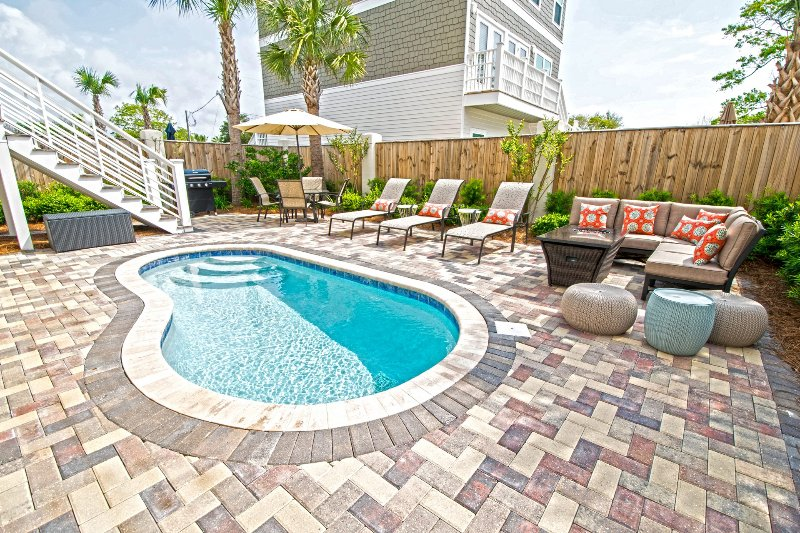 BE OUR GUEST: New & Modern-Gulf Views-Bikes-Pool - Image 1 - Miramar Beach - rentals