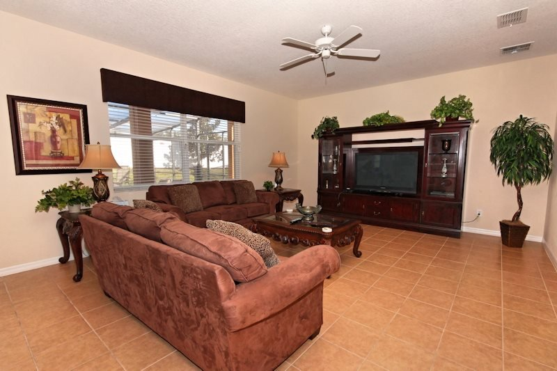 Luxury 5 Bedroom 4.5 Bathroom Pool Home in a Gated Community. 110EP - Image 1 - Orlando - rentals