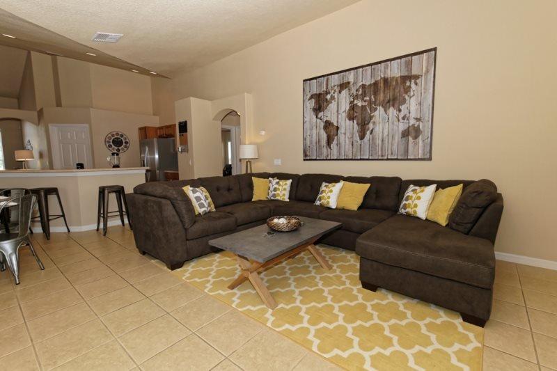 Luxury 4 Bedroom 3 Bathroom Pool Home in Orange Tree. 15830RHL - Image 1 - Kissimmee - rentals