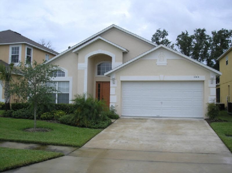 Charming 4 Bedroom 3 Bath Pool Home in Kissimmee. 1065SB - Image 1 - Intercession City - rentals