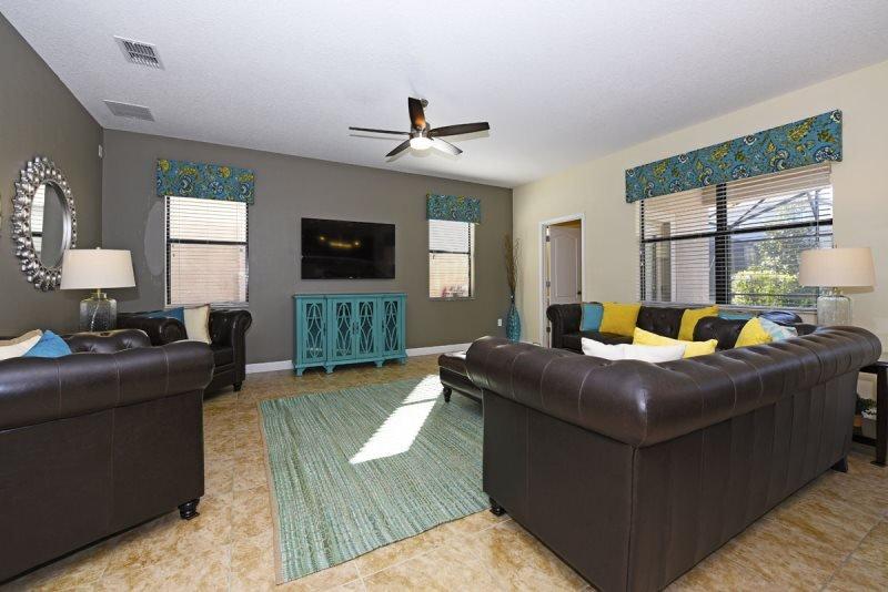 6 Bedroom 6 Bath Pool Home in Gated Golf Resort. 1452MS - Image 1 - Loughman - rentals