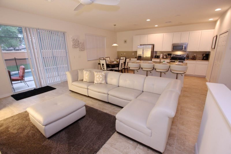 End Unit 4 Bedroom Town Home Located in Bella Vida. 800LFD - Image 1 - Kissimmee - rentals