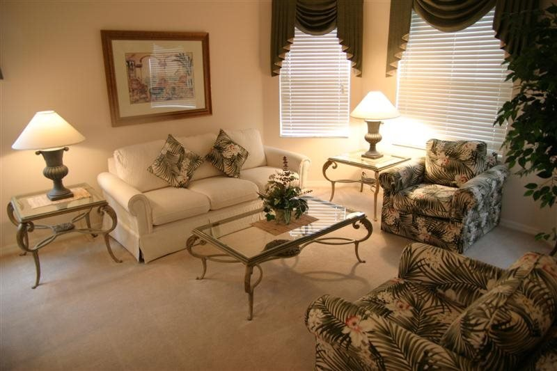 Beautiful 5 Bedroom 3 Bathroom Pool Home on the Golf Course. 344BON - Image 1 - Davenport - rentals
