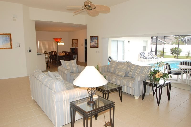 4 Bed 4 Bath Pool and Spa Home Near The Attractions. 642BC - Image 1 - Orlando - rentals