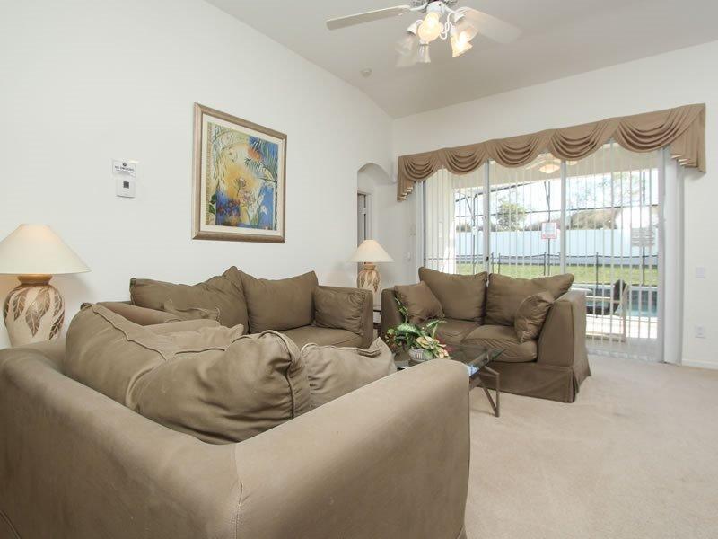 4 Bedroom 3 Bathroom Pool Home Located In Windsor Palms Resort. 2209WPW - Image 1 - Orlando - rentals