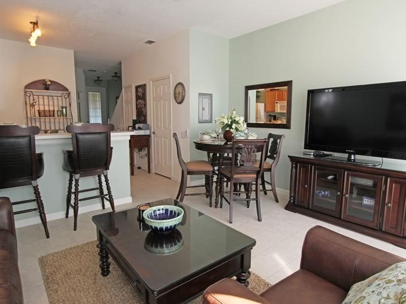 3 Bedroom 3 Bath Town House In Kissimmee Resort. 8106PPL - Image 1 - Orlando - rentals