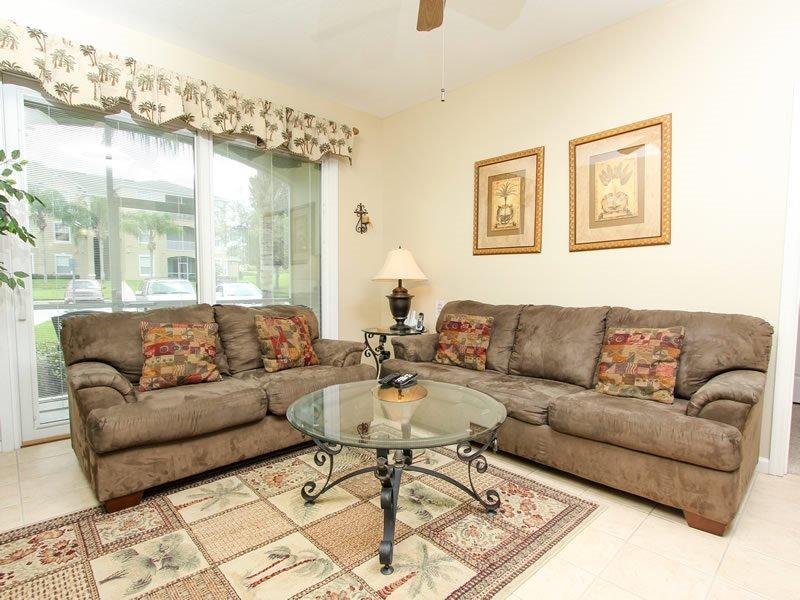 3 Bedroom 2 Bathroom Condo Located In Windsor Palms. 2306SPD-103 - Image 1 - Orlando - rentals