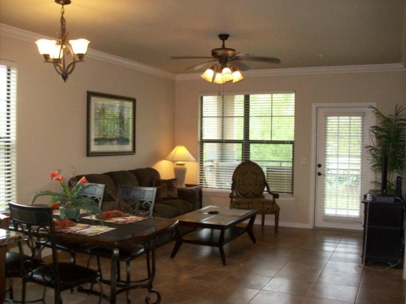 3 Bedroom 3 Bath Condo in Bella Piazza Resort. 902CP-621 - Image 1 - Orlando - rentals