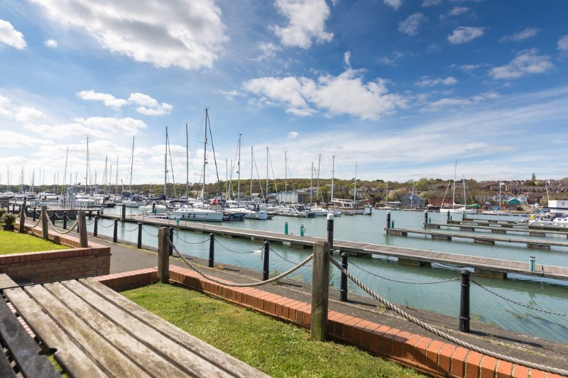 11 Cavalier Quay located in East Cowes, Isle Of Wight - Image 1 - Cowes - rentals