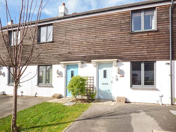 THE MACKEREL, short walk to the harbour, nearby beaches, lawned garden and - Image 1 - Charlestown - rentals