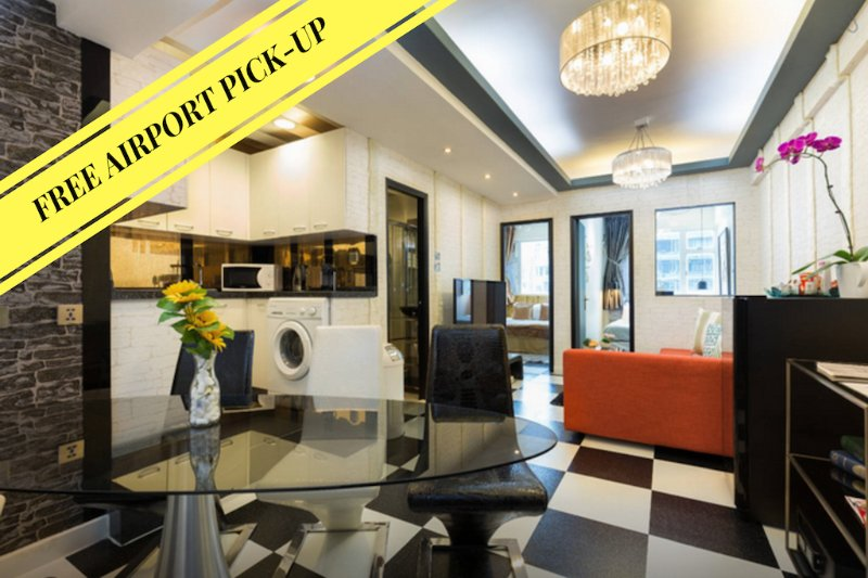 Book with us and Airport Pick-up is FREE! - BEST SHOPPING LOCATiON CWB*1 MINUTE TO MTR*PRADA*Big*Discount*3bed2bath*SAFE* - Hong Kong - rentals